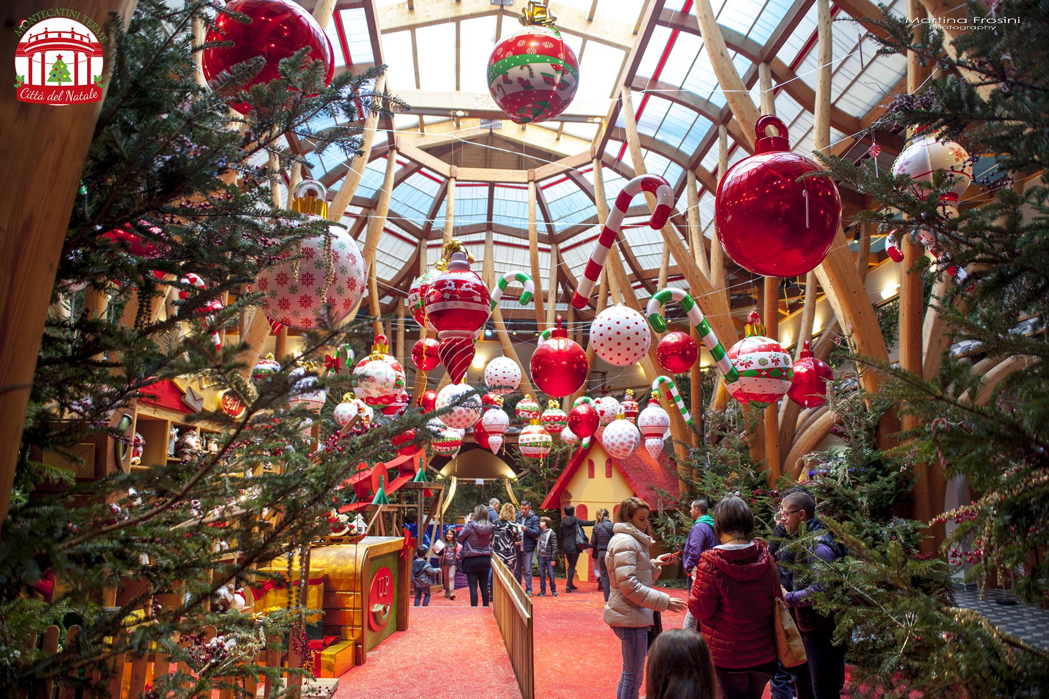 Babbo Natale 8 Dicembre Roma.La Casa Di Babbo Natale Si Sdoppia Apre Questo Fine Settimana