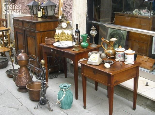 Torna domenica il mercatino dell 39 antiquariato valdinievole oggi notizie news fatti - Mobili vintage usati ...