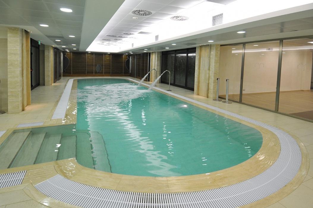 Terme piscina redi chiusa da luned per lavori ad aprile - Piscina monsummano terme ...